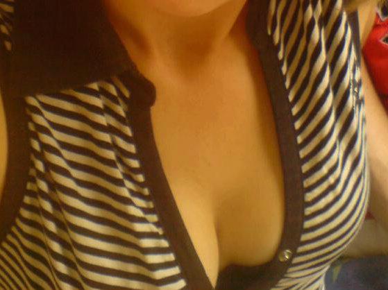 Devotes Bi Girl aus Coburg sucht Sextreffen privat